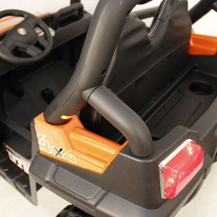 Электромобиль Buggy О333ОО белый  (2х местный, полный привод, колеса резина, кресло кожа, пульт, музыка)